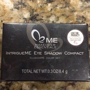ME eyeshadow compact brand new